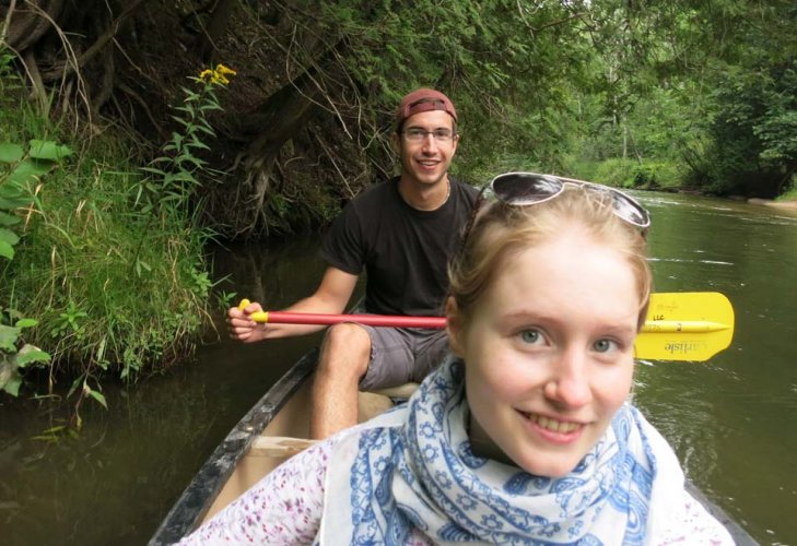 canoe-couple