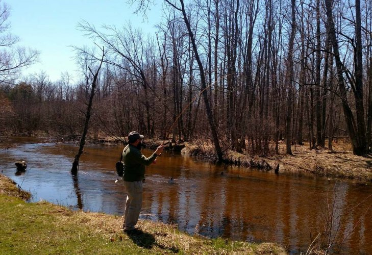 fly-fishing-river-bank