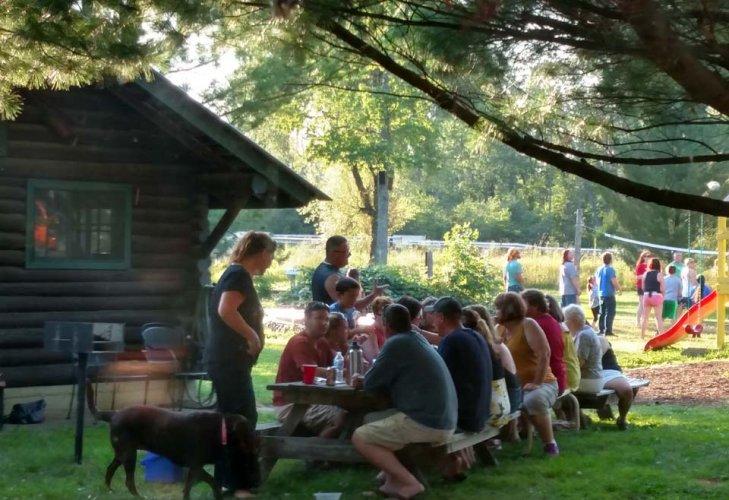 lodge-picnic